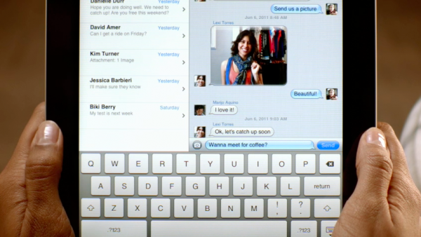 how to add contacts to imessage on ipod touch 4