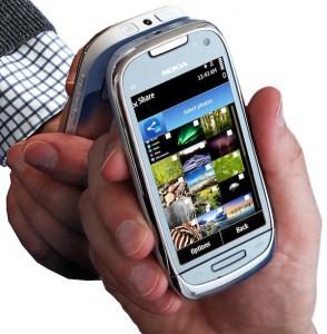 NFC on Nokia C7_lores