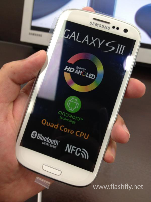 http://www.flashfly.net/wp/wp-content/uploads/2012/05/Samsung-GalaxySIII-0-26.jpg