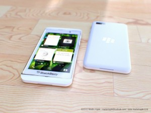 blackberry-10-lseries-leaked-white