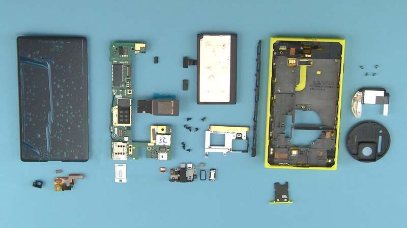 Nokia-tears-down-Lumia-1020