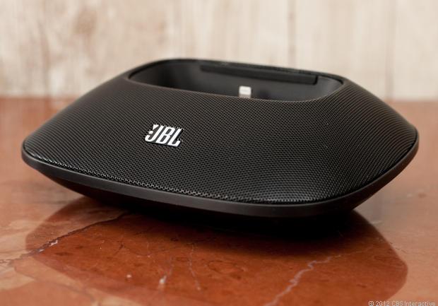 JBL_OnBeat_Micro_35627725_02_620x433
