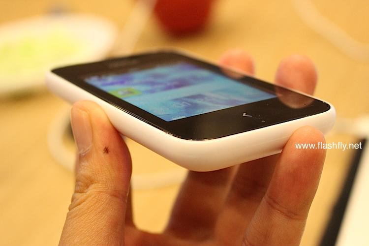 Nokia-Asha-230-Flashfly-04