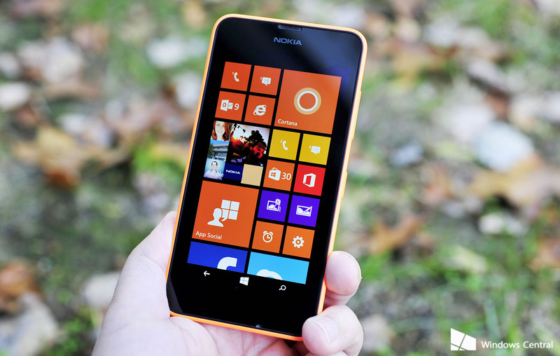 Lumia_630_Review_hand_lede_orange