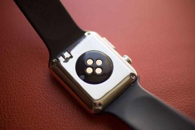 20140106_fake-applewatch_0017-640x426
