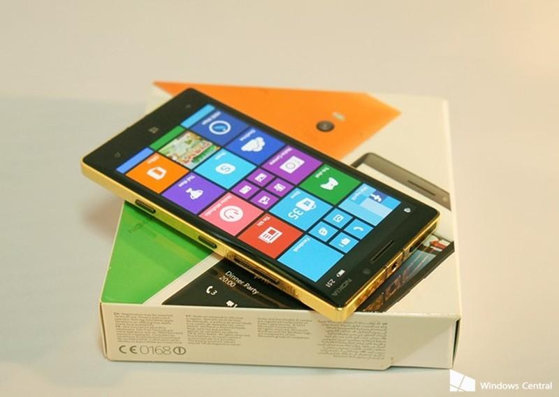24-gold-lumia-930