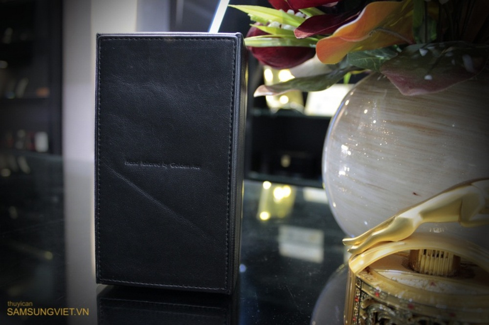 A-closer-look-at-the-gold-version-of-the-Galaxy-Note-Edge-1
