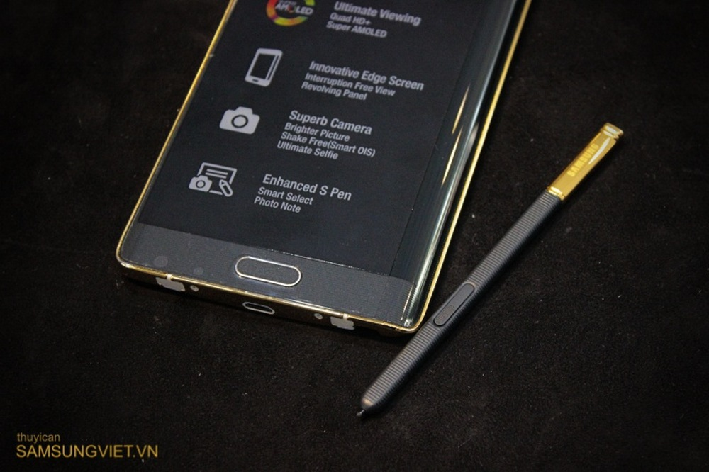 A-closer-look-at-the-gold-version-of-the-Galaxy-Note-Edge-22