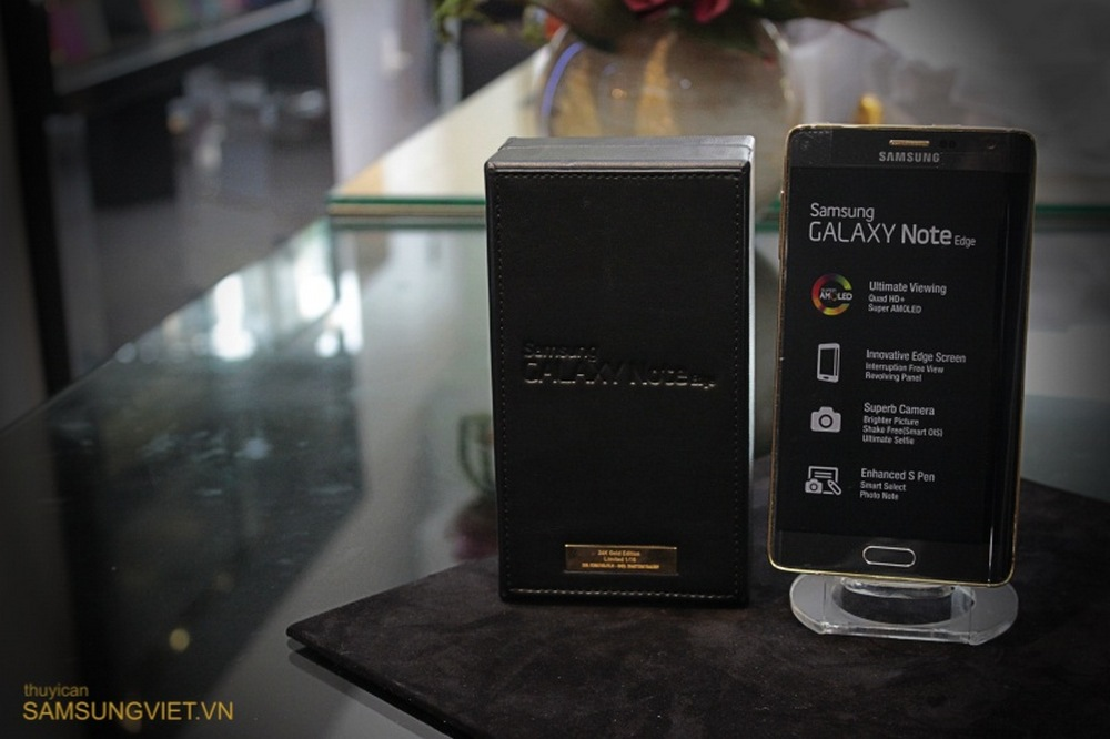 A-closer-look-at-the-gold-version-of-the-Galaxy-Note-Edge-27