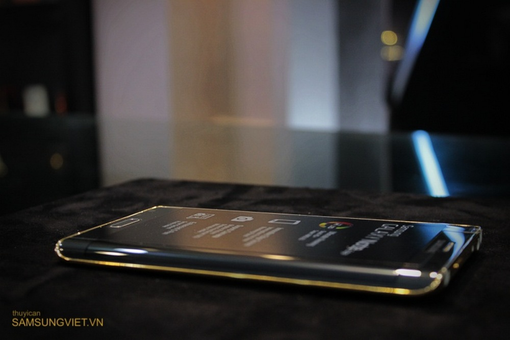 A-closer-look-at-the-gold-version-of-the-Galaxy-Note-Edge-5