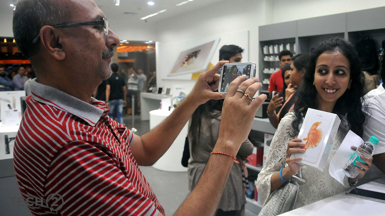 02_iPhone-6s-Launch-at-Phoinix-Mall1
