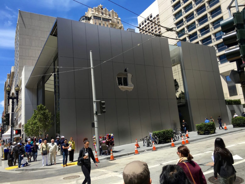 Apple_Store_Union_Square_exterior_side-780x585