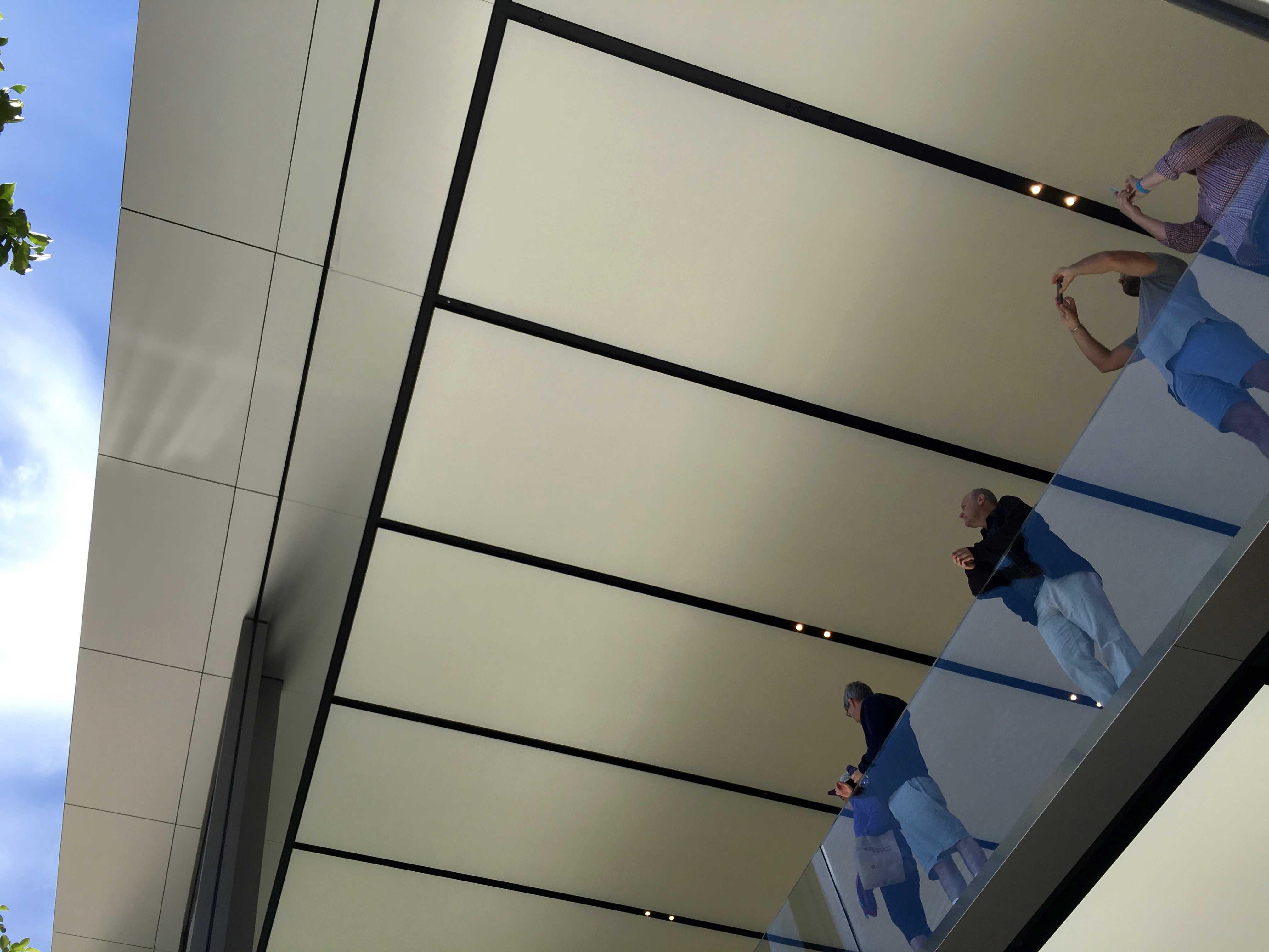 Apple_Store_Union_Square_interior_2-1-1