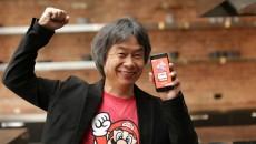 Shigeru-Miyamoto-play-Super-Mario-Run