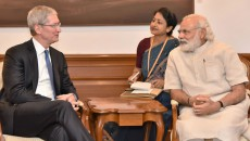 Tim-Cook-and-Indian-PM-Narendra-Modi