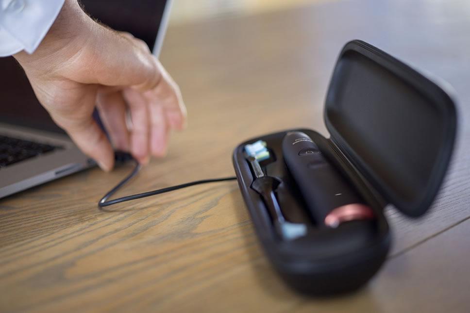Philips-Sonicare-DiamondClean-Smart-Case