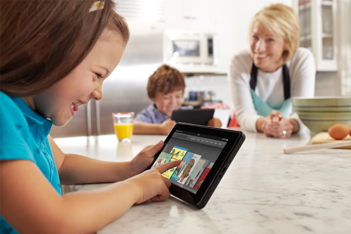kid-play-tablet