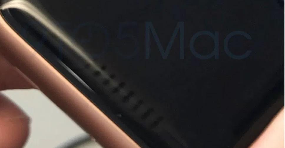 Apple-Watch-Series-3-issue-display-edge-stripes