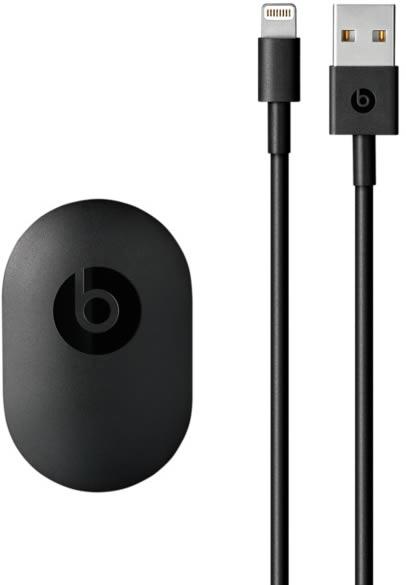 Black-Beats-Lightning-to-USB-A