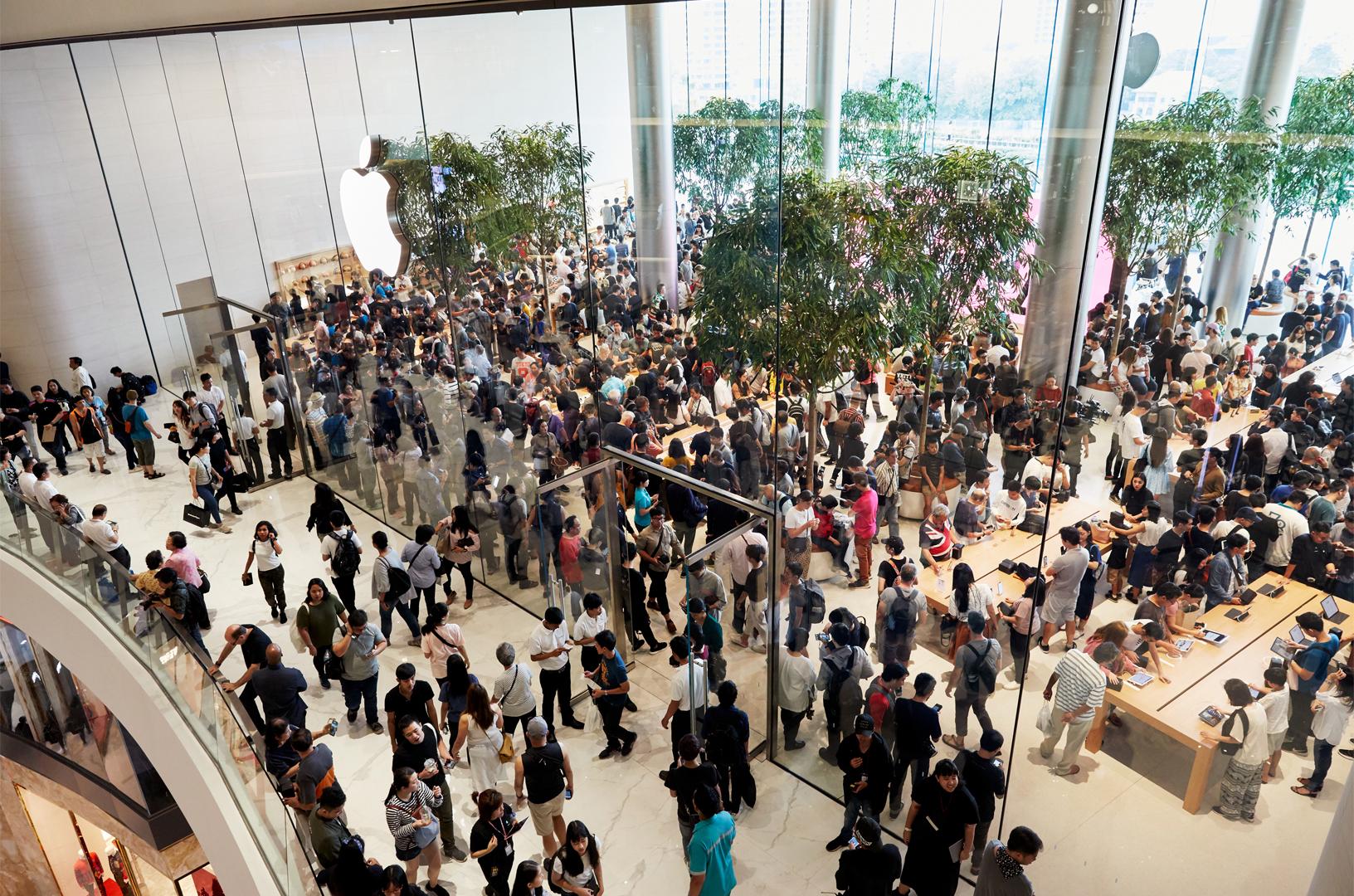 Apple Iconsiam เปิดแล้วที่กรุงเทพฯ ลูกค้านับพันคนแห่เข้า ...