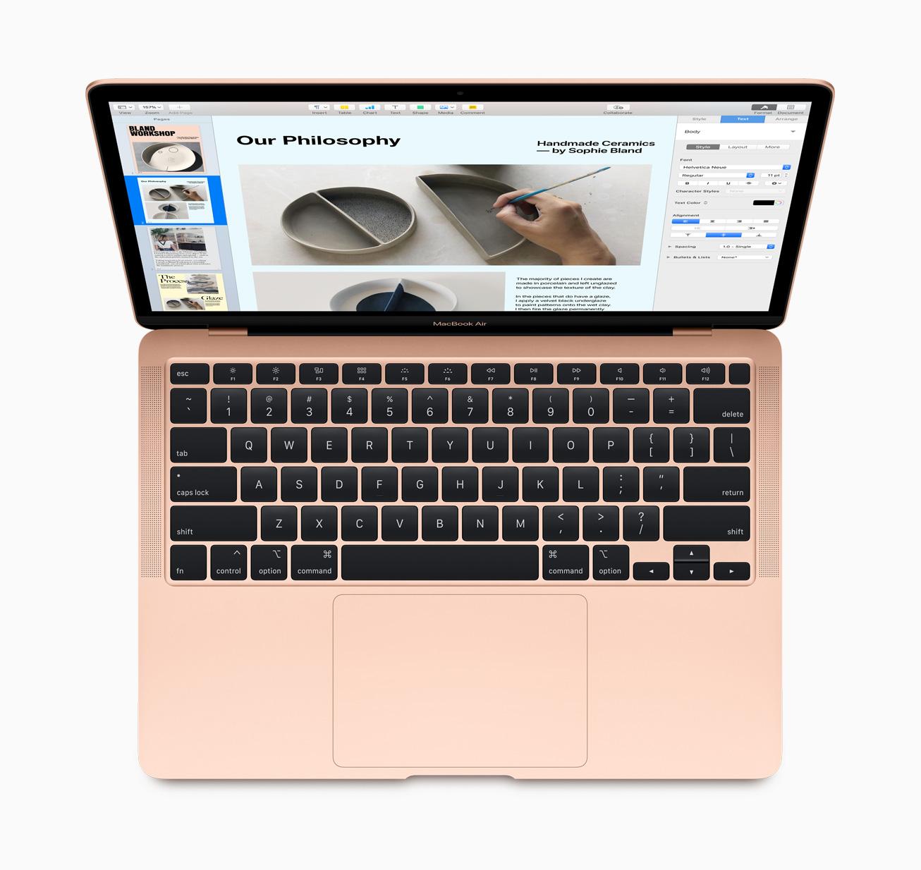 MacBook Air มาพร้อม Magic Keyboard ใหม่ที่มีกลไกแบบกรรไกรซึ่งได้รับการออกแบบใหม่ให้มีการขยับขึ้นลงของปุ่มที่ระยะ 1 มม. เพื่อประสบการณ์ในการพิมพ์ที่ทั้งสะดวกสบายและมั่นคง